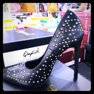 Beautiful Black Sexy Stilettos 👠 by Quipped 👠